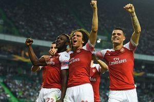 Arsenal vừa lập kỷ lục 11 trận thắng liên tiếp, Wenger buồn hay vui?
