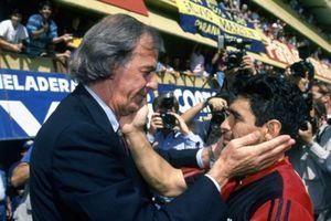 Bóng đá qua lăng kính 'sư phụ' của Diego Maradona