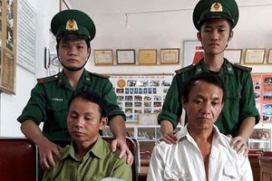 Bắt giữ 2 trai bản ôm 1kg ma túy tại Nghệ An