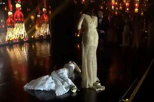 Hoa hậu Hòa bình Thế giới ngất xỉu ngay trên sân khấu khi MC công bố kết quả