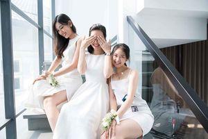 Đấu trường sắc đẹp Việt Nam cũng không thiếu những sự cố hy hữu như… Hoa hậu ngất xỉu khi đăng quang