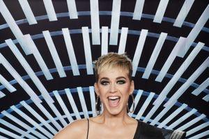 Chuyện gì thế này: Justin Bieber kết hợp Katy Perry và poster single chính thức hé lộ?