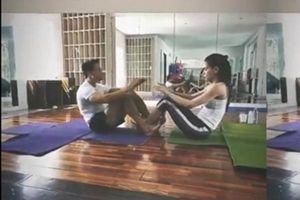 Ngại ngùng bắt gặp Hồ Ngọc Hà và Kim Lý tình tứ trong phòng tập Yoga sau nghi vấn rạn nứt