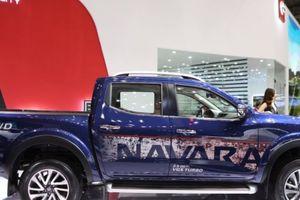 Nissan Navara Premium Z mới trình diện tại VMS 2018 có gì để đấu với Ford Ranger ?