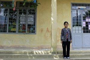 Nhiều hộ nghèo hiến đất làm đường, xây trường học