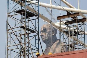 Sửng sốt với bức tượng cao nhất thế giới sắp khánh thành ở Ấn Độ