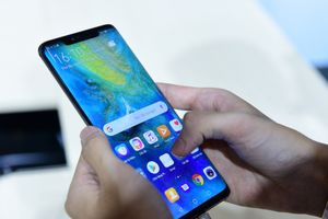 Huawei ra mắt Mate 20 và Mate 20 Pro tại Việt Nam với giá bán 15,99 và 21,99 triệu đồng