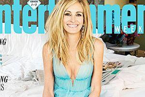 Julia Robers, 50 tuổi, trông vẫn giống một nàng tiên trong bộ đầm xanh da trời cổ tích tuyệt đẹp