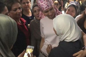Đệ nhất phu nhân Syria tái xuất giữa lúc điều trị ung thư