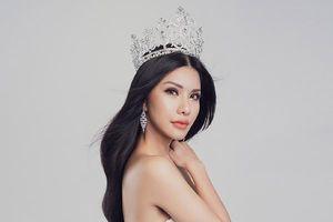 'Hoa hậu hàng không' Loan Vương sang Singapore dự thi Mrs International