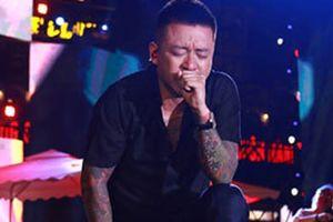 Tuấn Hưng khóc trước 10.000 khán giả trong live show 20 năm ca hát