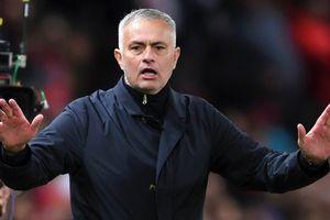 Eric Cantona chỉ trích Mourinho, muốn Giggs làm HLV MU
