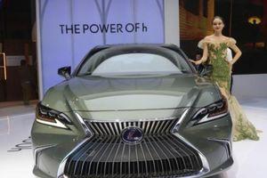 Lexus ES 300h chính thức về Việt Nam, giá bán chưa công bố