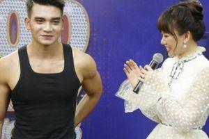 Mặc Trấn Thành, Hari Won công khai 'cưa' trai đẹp ngay trên sân khấu