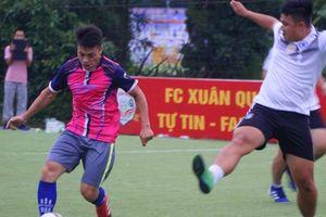 Giải bóng đá Báo NTNN/Dân Việt: Trọng tài 'giúp' Sport5 đá bại 24h