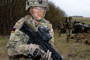 Quân đội Anh mở cửa tất cả các vị trí cho nữ giới