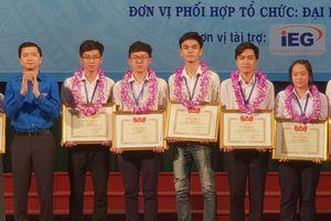 Trao 291 giải thưởng sinh viên nghiên cứu khoa học