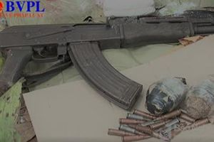 Liều lĩnh dùng AK bắn cảnh sát, một đối tượng buôn ma túy bị tiêu diệt
