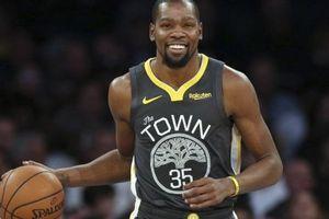 Kevin Durant nhấn chìm New York Knicks, dạy cho Enes Kanter một bài học