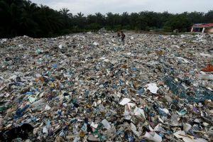 Malaysia hạn chế nhập khẩu phế thải nhựa