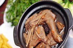 8 bài thuốc hâm nóng phòng the từ gà