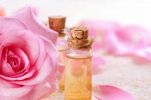Dùng loại tinh dầu này mát xa khuôn mặt mỗi ngày, đẩy lùi lão hóa, nâng tông da giúp phụ nữ đẹp rạng ngời dù không son phấn
