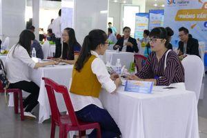 5.000 sinh viên tham gia ngày hội tuyển dụng