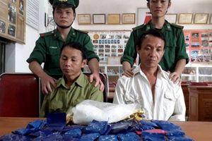 Nghệ An: Bắt hai đối tượng thu 1kg ma túy đá và gần 7.000 viên hồng phiến