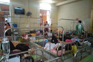 Gần 100 công nhân Đồng Nai nhập viện nghi do ngộ độc thực phẩm