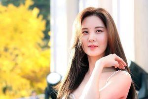 Em út SNSD lấn át 'nữ thần' Son Ye Jin trên thảm đỏ