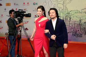 Những bóng hồng gợi cảm tại Liên hoan phim quốc tế Hà Nội