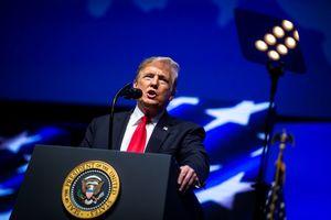 Tổng thống Trump lên án vụ xả súng, chỉ đạo treo cờ rủ