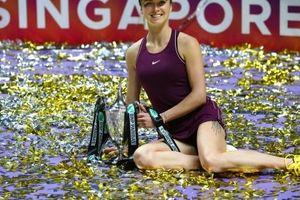 Ngược dòng ngoạn mục, Svitolina đăng quang WTA Finals 2018
