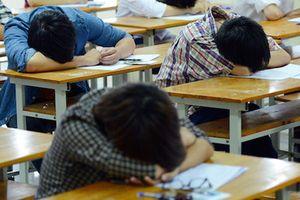 Vì sao hàng nghìn sinh viên Sài Gòn có nguy cơ bị đuổi học?