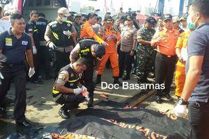 Máy bay Indonesia rơi xuống biển: Trục vớt những thi thể đầu tiên