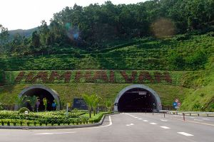 Không thể cắt điện hầm Hải Vân dù đơn vị khai thác còn nợ tiền tỉ!