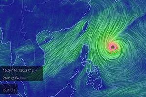 Siêu bão Yutu mạnh nhất 2018 tiến nhanh áp sát Biển Đông, vẫn giật trên cấp 17