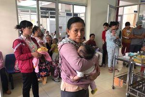 Cơ sở tiêm chủng 'than' thiếu vaccine, Cục khẳng định đủ