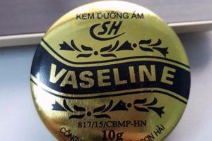 Kem dưỡng ẩm 'thần thánh' Vaseline bị đình chỉ lưu hành vì không đạt chất lượng