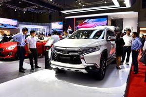 Ô tô nhập khẩu tràn về dịp cuối năm, giá xe liệu có giảm mạnh?