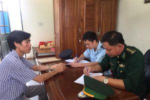Hải quan Hà Tĩnh bắt một đối tượng đang vận chuyển 34 kg pháo