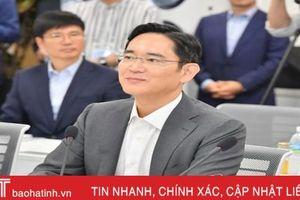 Người thừa kế Samsung đến Việt Nam kiểm tra dây chuyền sản xuất smartphone