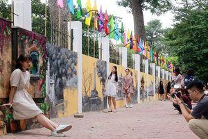 Tường bích họa giữa Thủ đô: Nên vẽ đúng chủ đề, đặt đúng vị trí