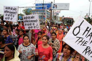 Trẻ em gái Ấn Độ ám ảnh nỗi lo bị tấn công tình dục