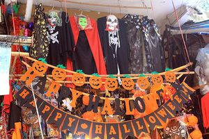 Không khí lễ hội Halloween trên khắp các tuyến phố