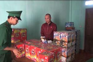 Quảng Trị: Bắt giữ đối tượng vận chuyển gần 100kg pháo lậu