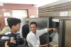 Kiểm tra cơ sở cung cấp bánh mì nghi gây ngộ độc thực phẩm tập thể ở quận Tân Phú