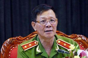 Hơn 200 người tham gia tố tụng phiên xử cựu Trung tướng Phan Văn Vĩnh