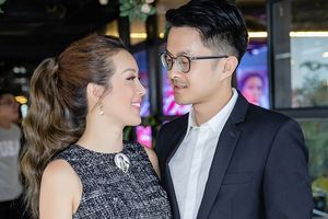 Bị hỏi chuyện kết hôn với bạn trai kém 10 tuổi, Hoa hậu Thu Hoài nói gì?