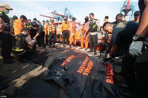 Máy bay Indonesia rơi xuống biển: Vớt được 6 thi thể đầu tiên